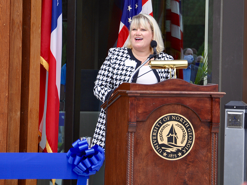 The University of North Georgia (UNG) held a ribbon cutting ceremony Wednesday, September 16, to celebrate the opening of the new Blue Ridge Campus right off Appalachian Highway. UNG Blue Ridge Campus Director Sandy Ott welcomed the community to the event.
