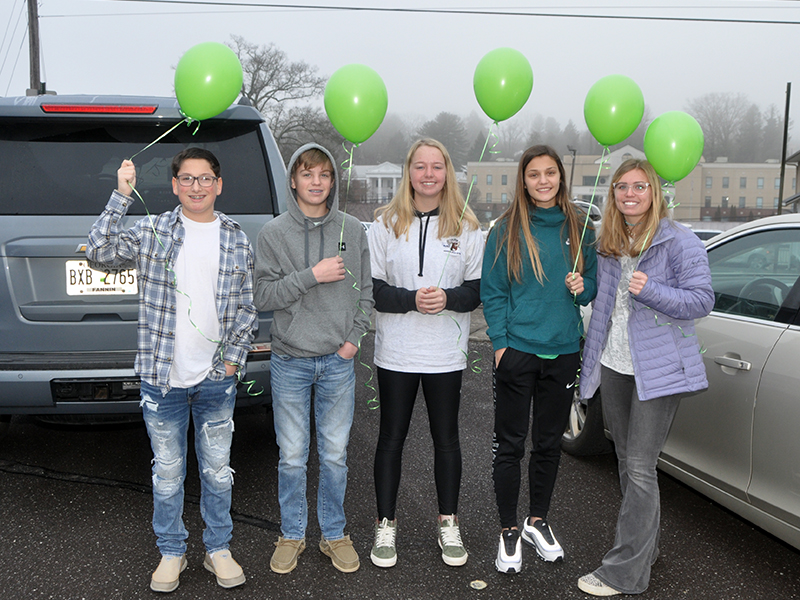 Many friends and family gathered in the parking lot of Blue Ridge First Baptist Church Friday, January 22, to celebrate the life of Sydnie Jones with a balloon release. Shown before the ceremony are, from left, Nicholas Honeycutt, Lawson Sullivan, Annabel Lillard, Becca Ledford and Kinsley Sullivan.