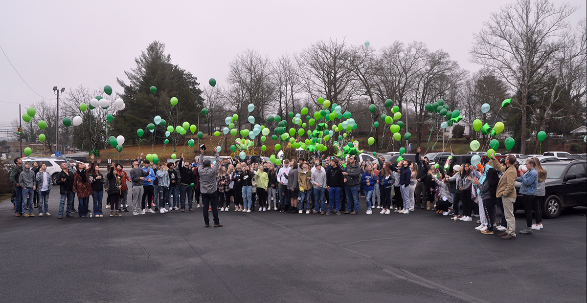 A large crowd of family and friends gathered at the First Baptist Church of Blue Ridge Friday, January 22, for a balloon release to celebrate the life of 19-year-old Sydnie Jones. The Fannin County High School graduate passed away from injuries received in a tragic car crash January 12. Countless tributes on a Memorial Wall in her honor remembered Sydnie for her beautiful smile and outgoing personality.